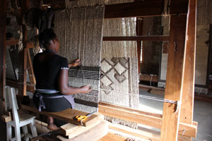 Carpet Weavers Lewa Downs